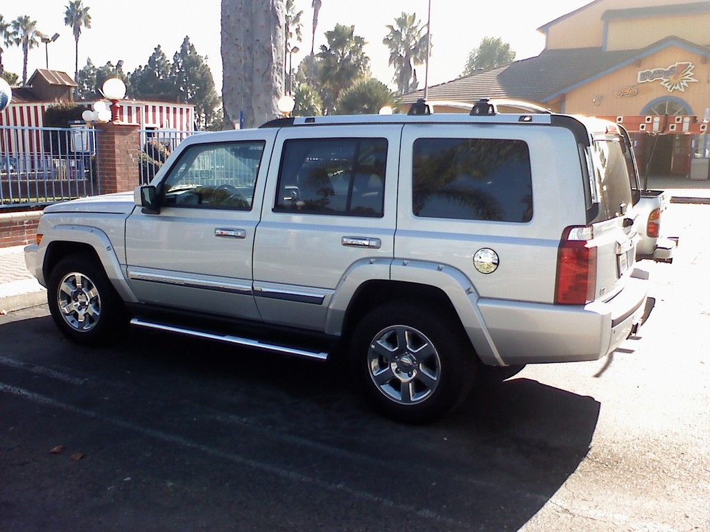 2008 Jeep Commander #12