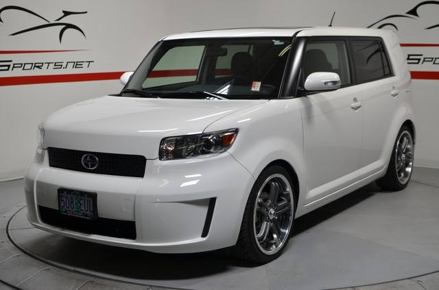 2010 Scion Xb #5
