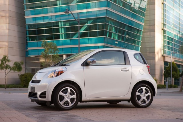 2014 Scion Iq #15