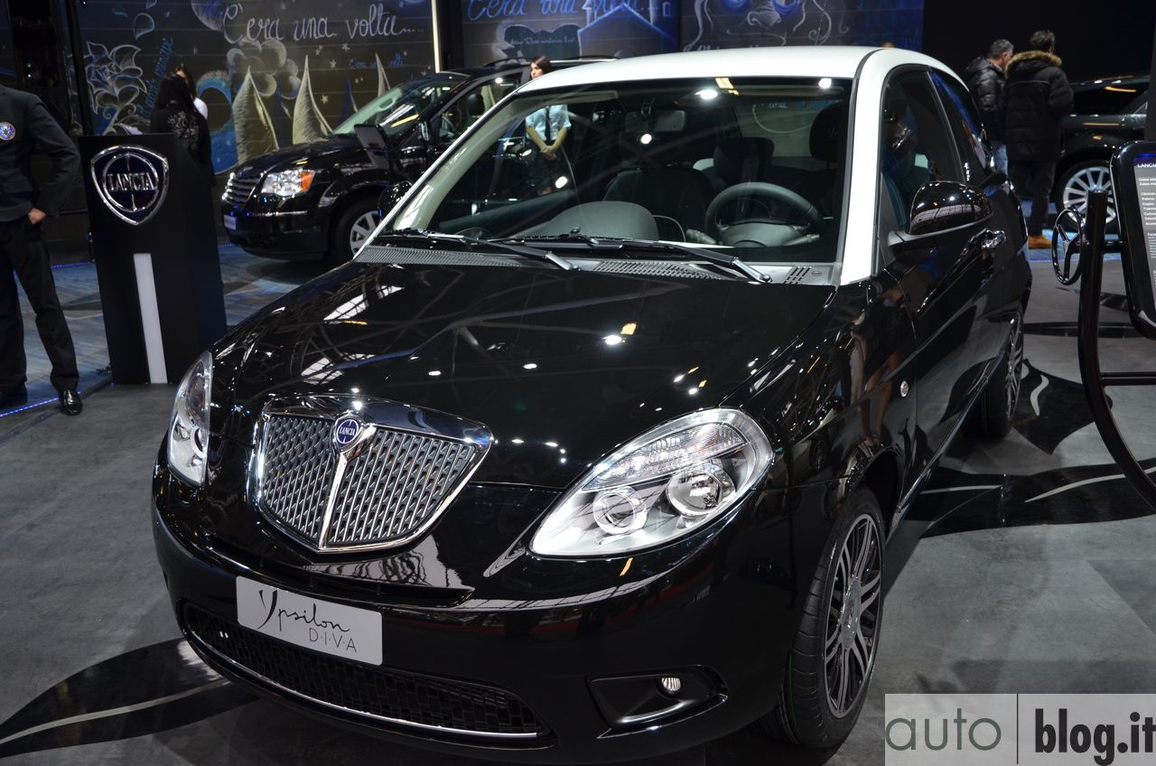 2011 lancia ypsilon photos informations articles. Black Bedroom Furniture Sets. Home Design Ideas