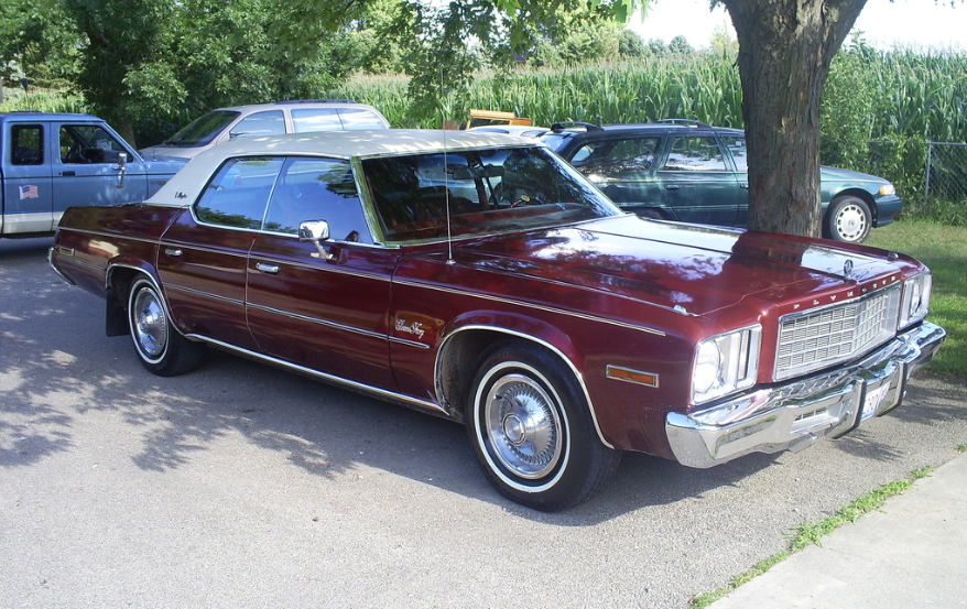 1985 Plymouth Gran Fury #9