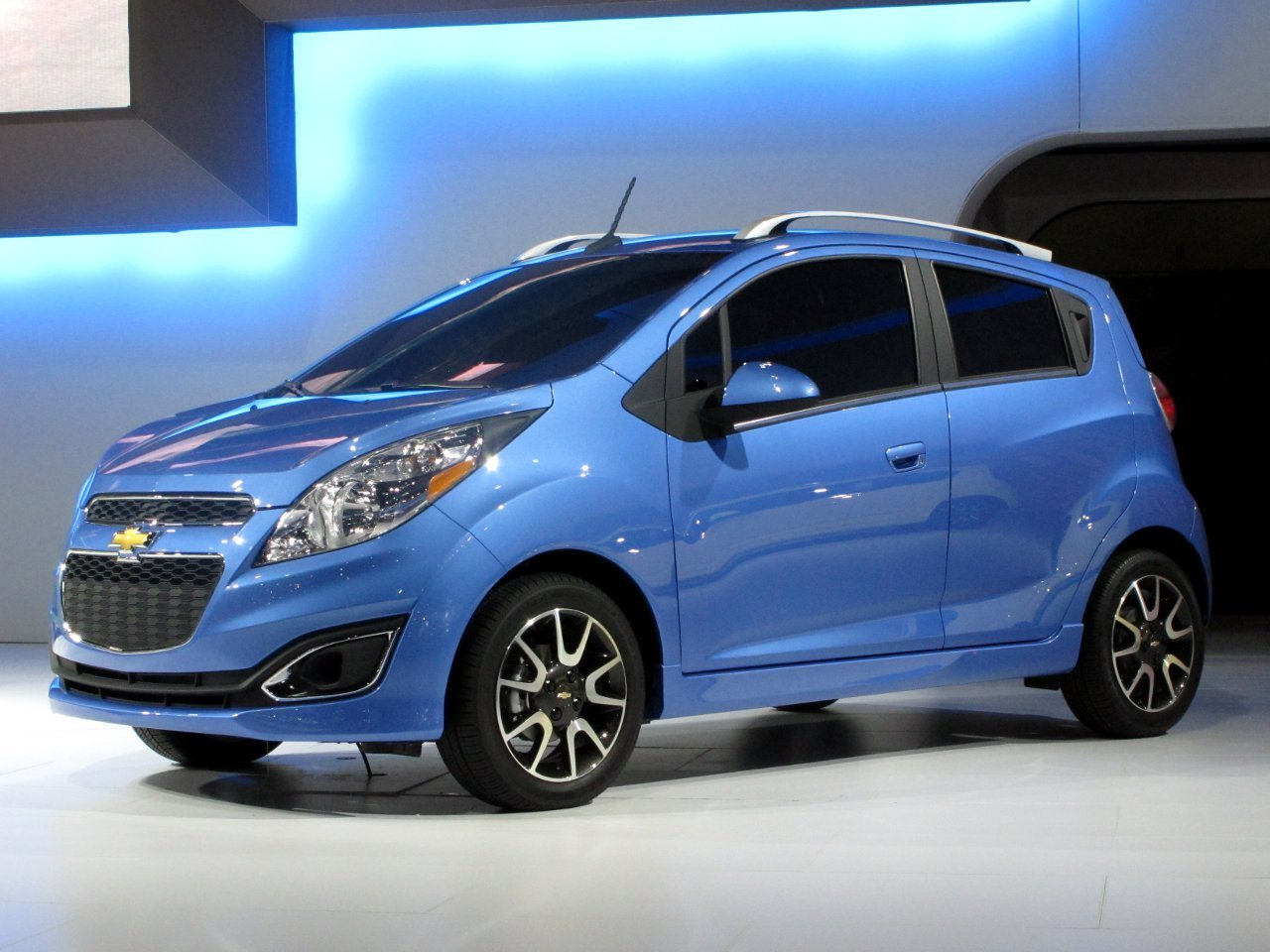 2013 chevrolet spark photos informations articles. Black Bedroom Furniture Sets. Home Design Ideas
