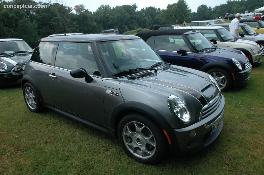 2004 mini cooper photos informations articles. Black Bedroom Furniture Sets. Home Design Ideas