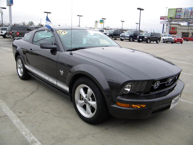 2009 Ford Mustang #13