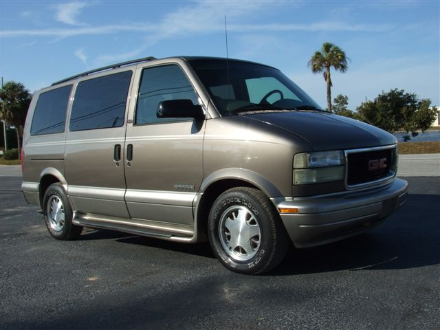 2003 GMC Safari #12