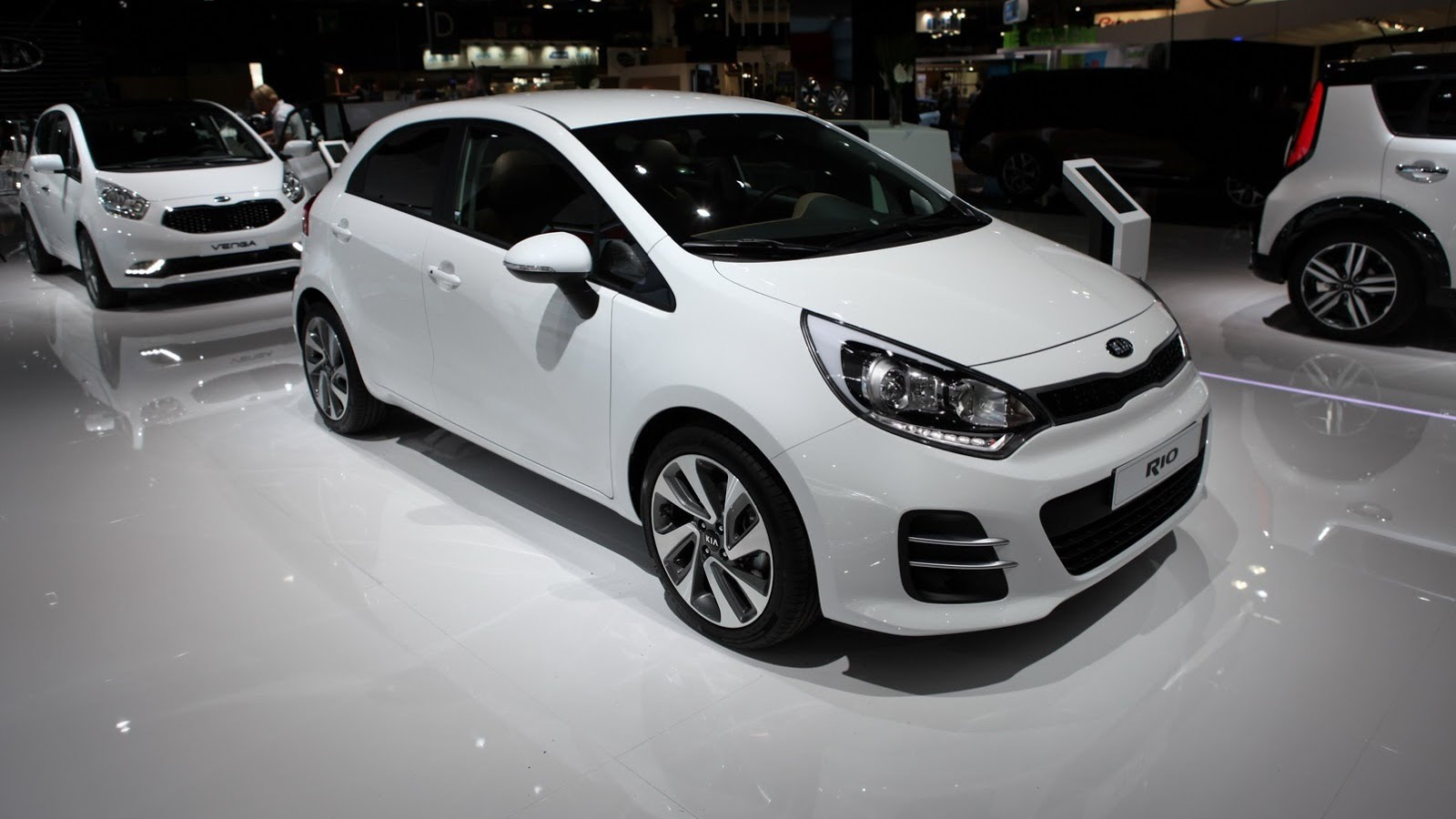 2015 kia rio photos informations articles. Black Bedroom Furniture Sets. Home Design Ideas