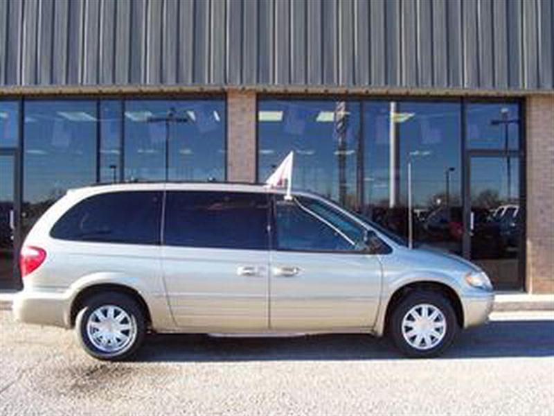 2006 Chrysler Town And Country #6