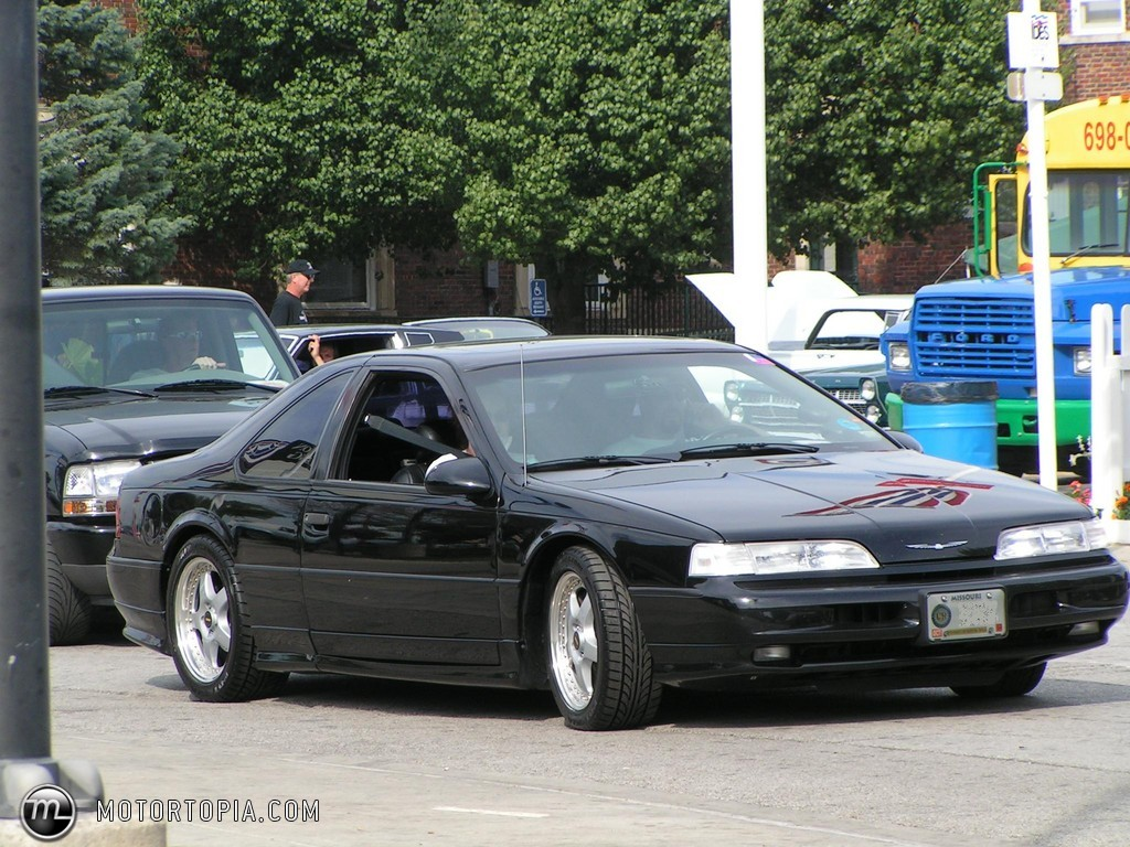 1992 Ford Thunderbird #6