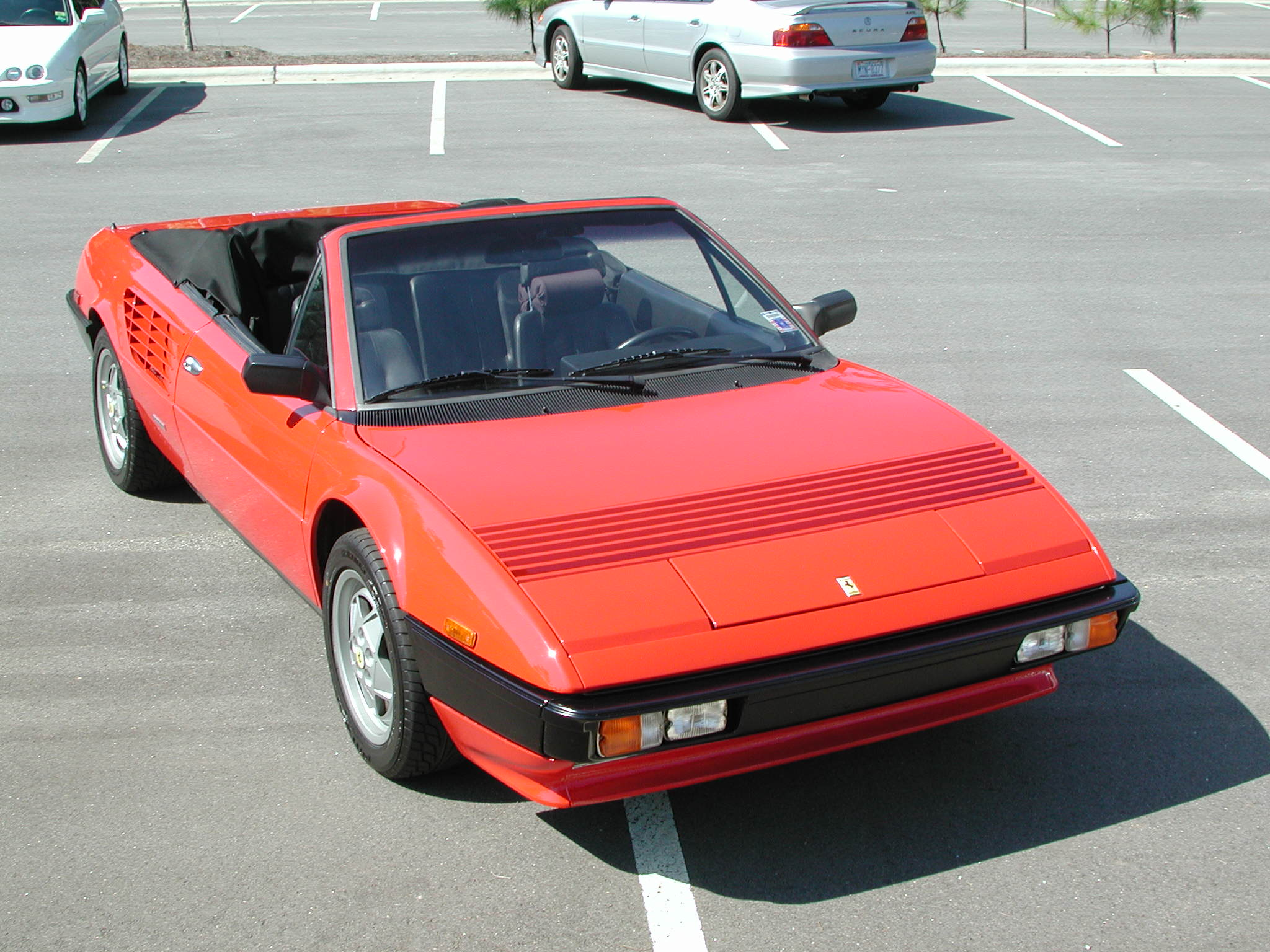 1985 ferrari mondial photos informations articles. Black Bedroom Furniture Sets. Home Design Ideas
