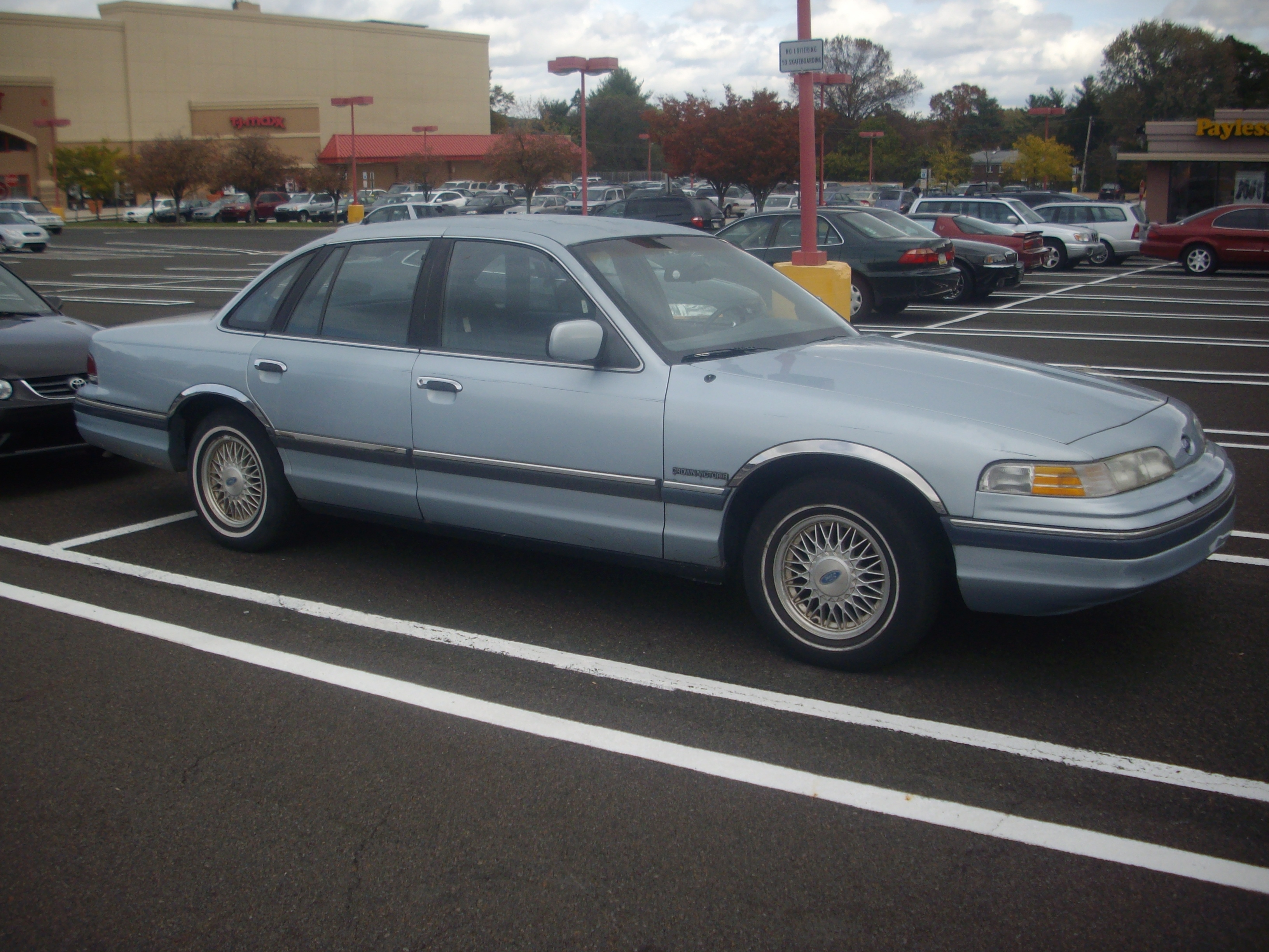 1992 Ford Crown Victoria #8