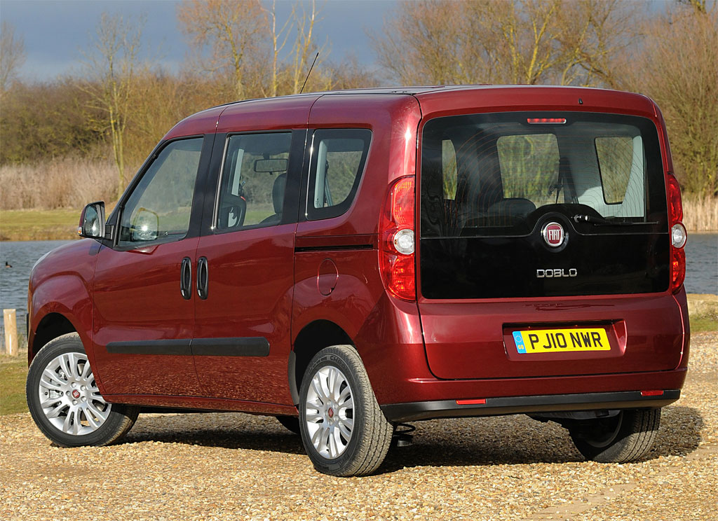 2011 fiat doblo photos informations articles. Black Bedroom Furniture Sets. Home Design Ideas