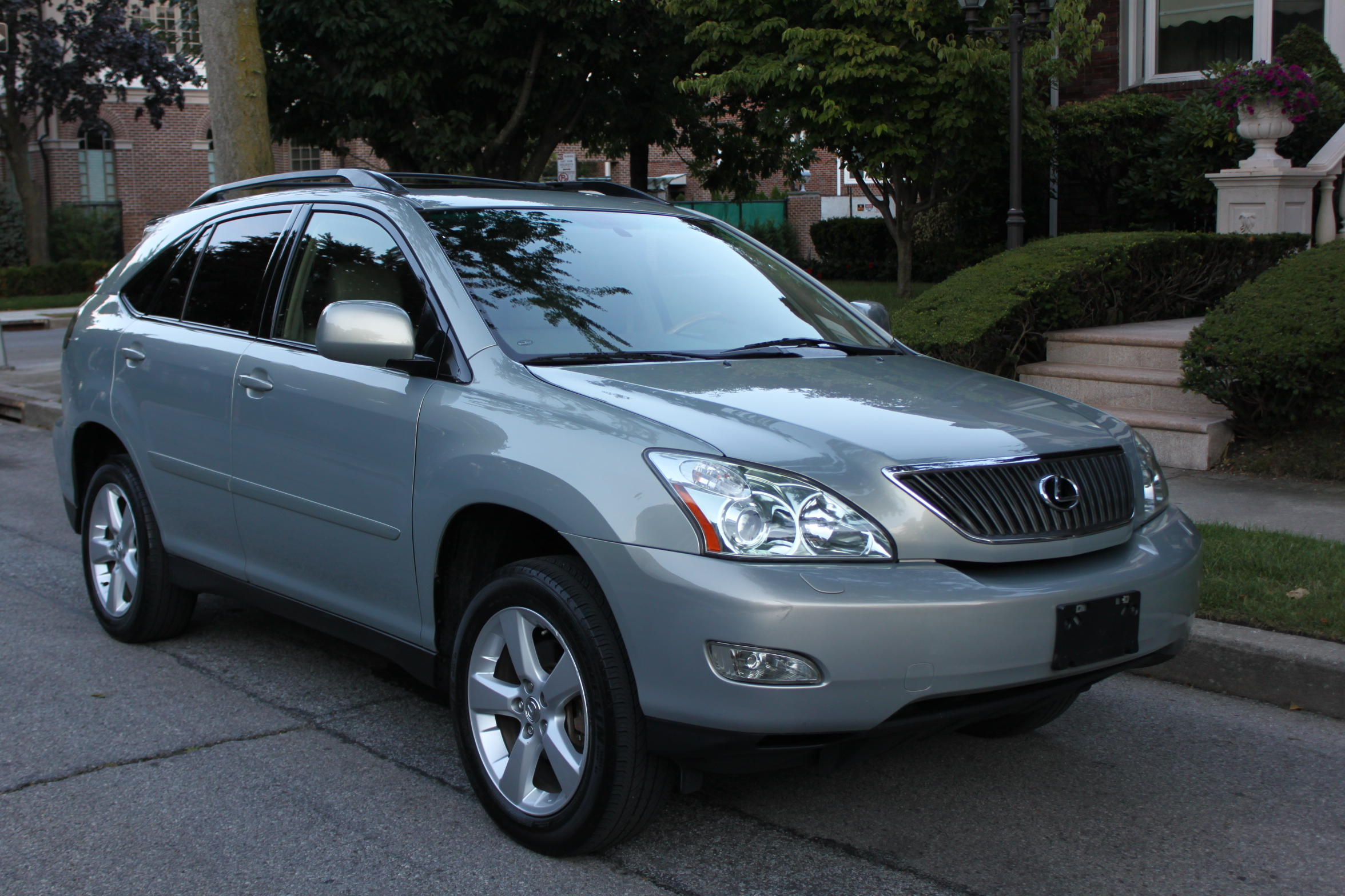 2004 lexus rx 330 photos informations articles. Black Bedroom Furniture Sets. Home Design Ideas
