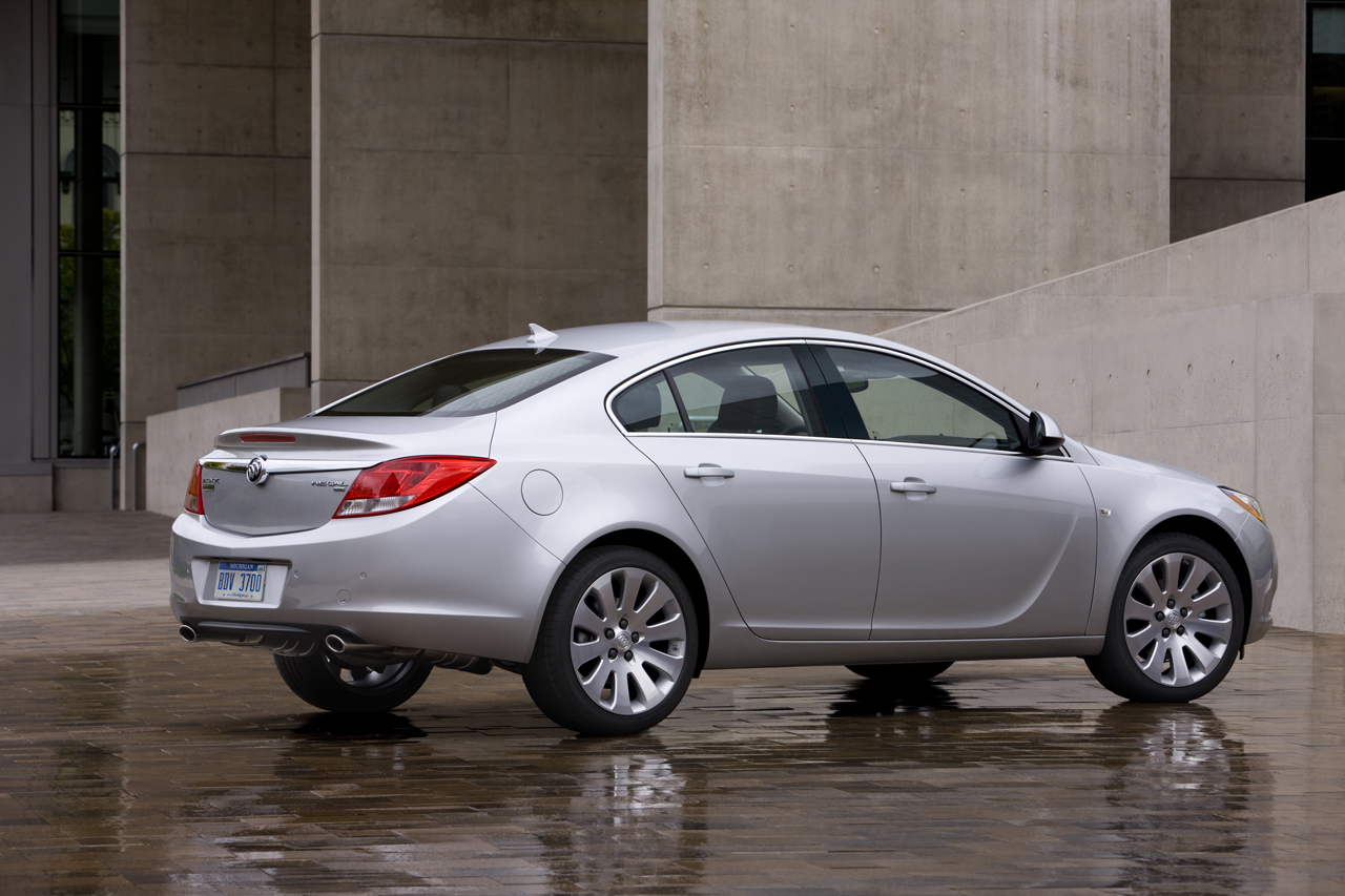 2011 Buick Regal #8