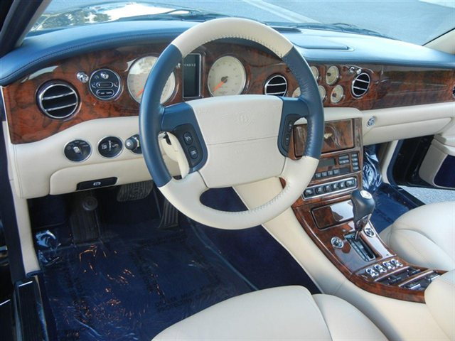 2001 Bentley Arnage #10
