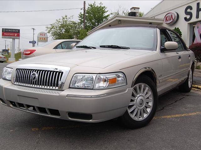2009 Mercury Grand Marquis #4
