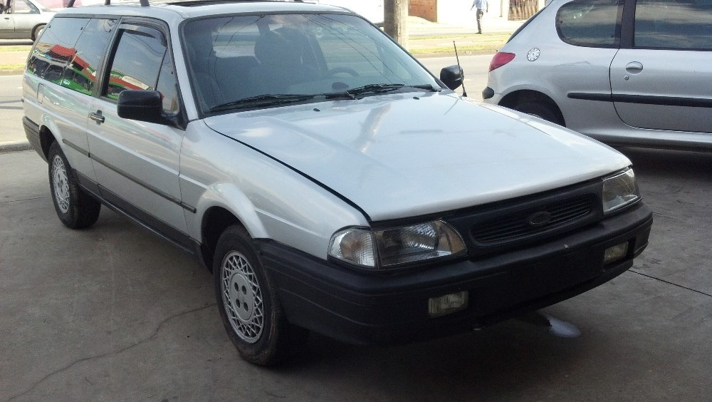 1997 Ford Royale #3