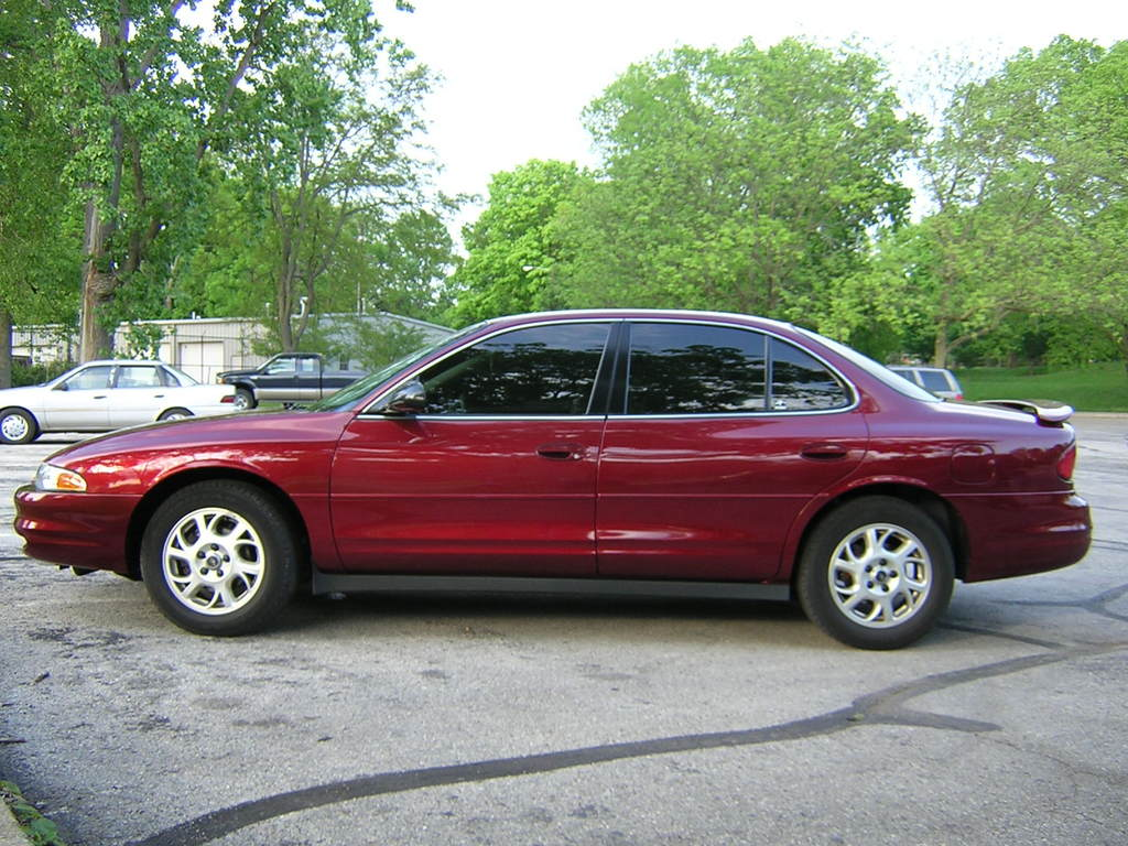2002 Oldsmobile Intrigue #2