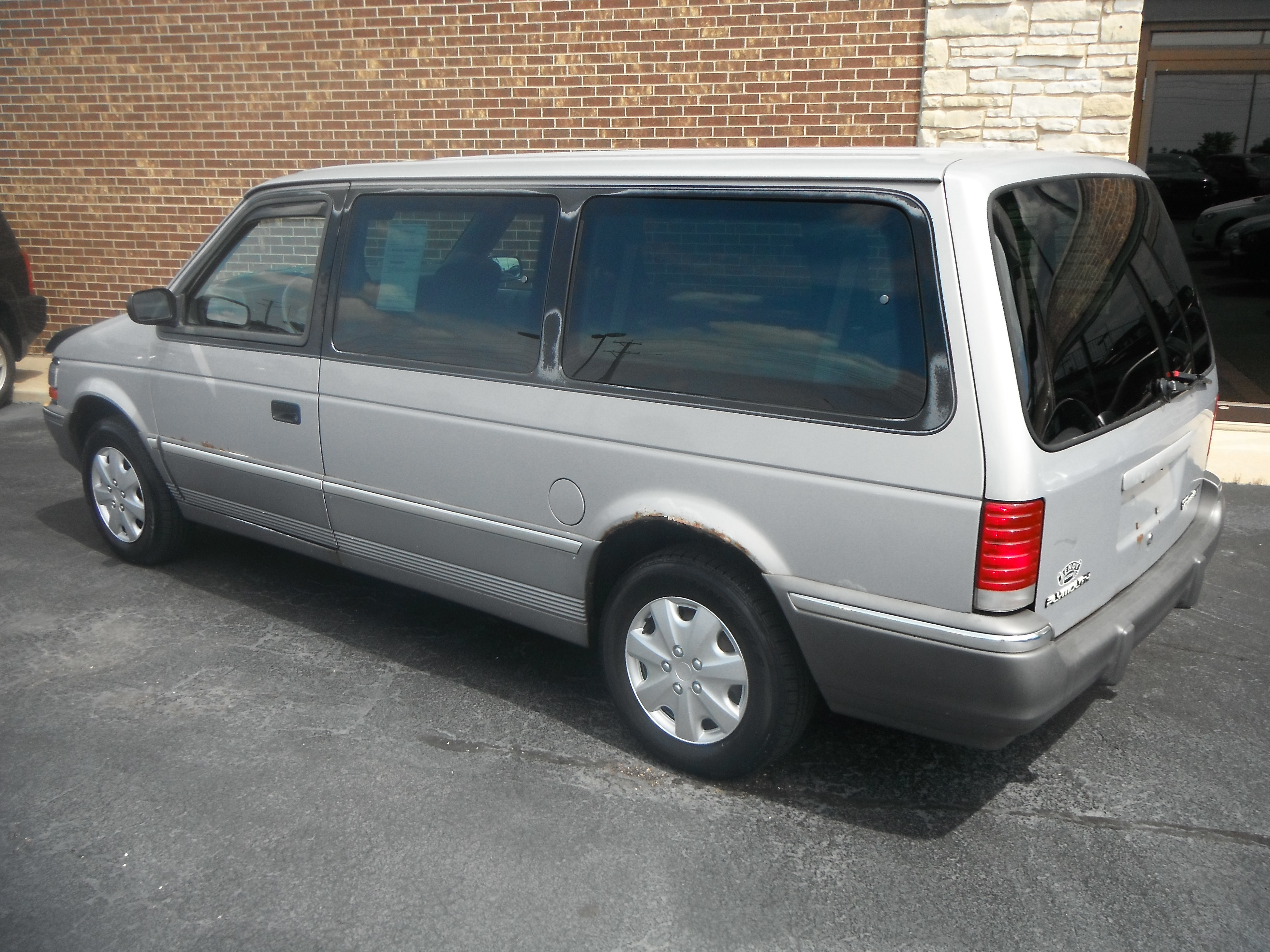 1993 Plymouth Grand Voyager #11