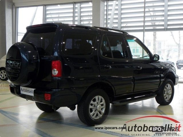 2010 Tata Safari #14