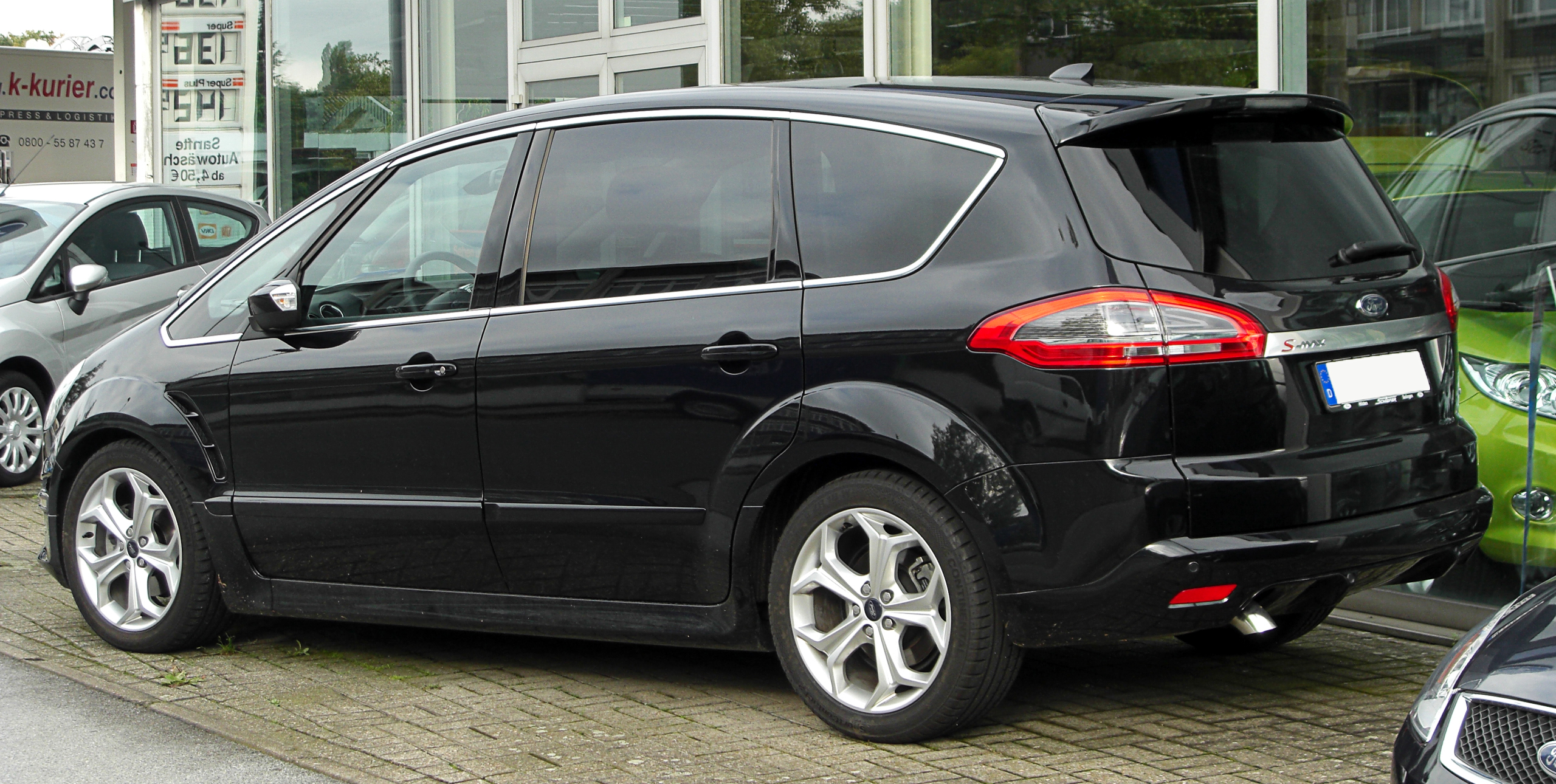 2012 Ford S-Max #16
