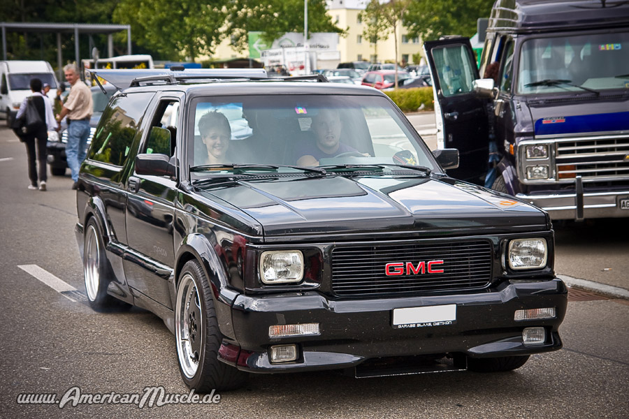 GMC Typhoon #8