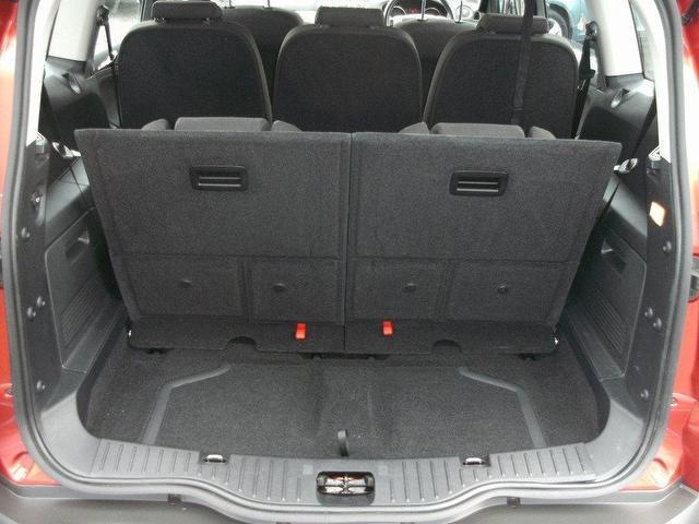 2009 Ford S-Max #16