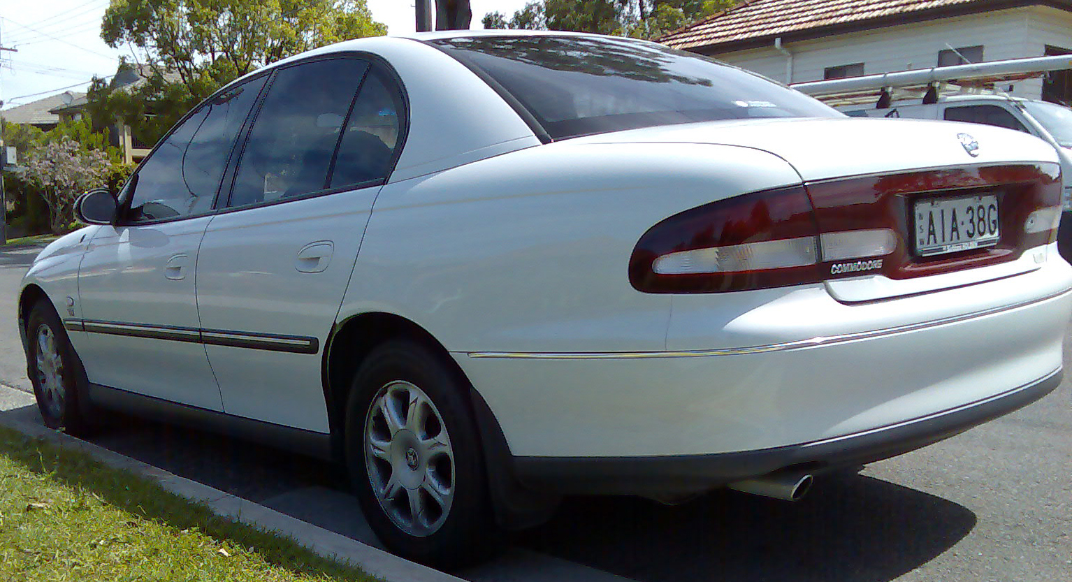 2000 Holden Commodore #7