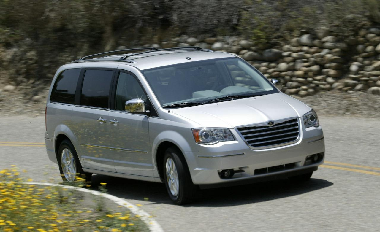 2009 Chrysler Town And Country #2
