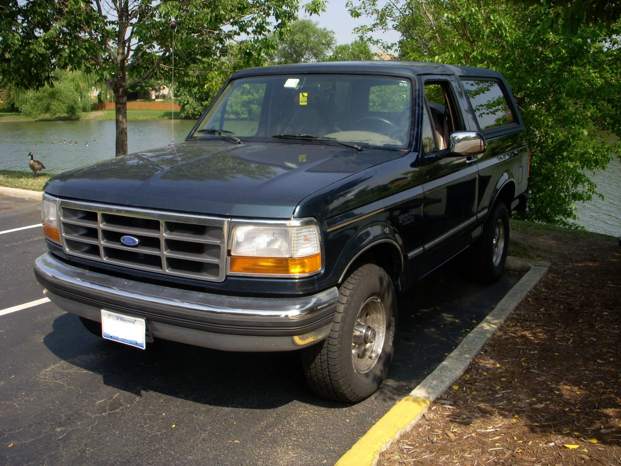 1995 Ford Bronco #8
