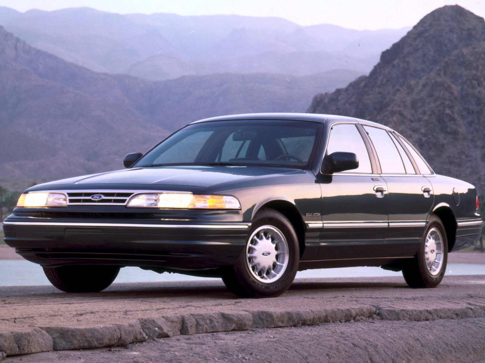 1995 Ford Crown Victoria #6