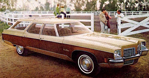 Oldsmobile Custom Cruiser #16