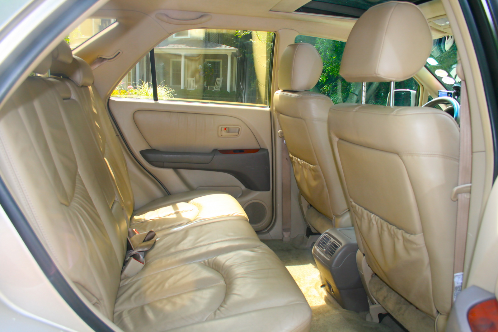 1999 lexus rx 300 photos informations articles. Black Bedroom Furniture Sets. Home Design Ideas