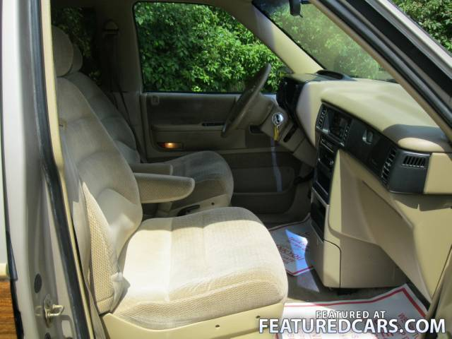 1991 Plymouth Grand Voyager #16