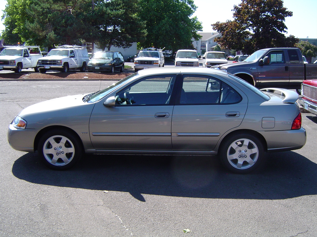 2005 Nissan Sentra Photos, Informations, Articles ...