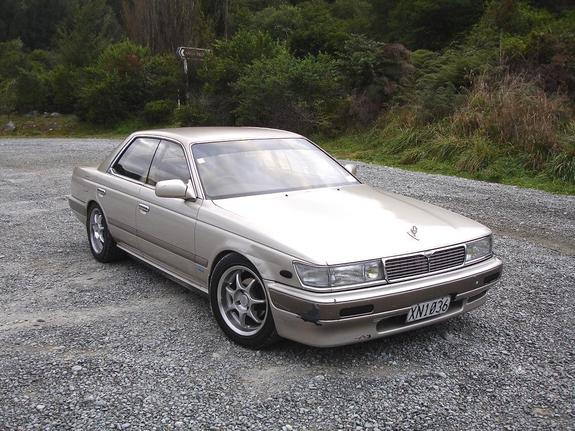 1989 Nissan Laurel #2