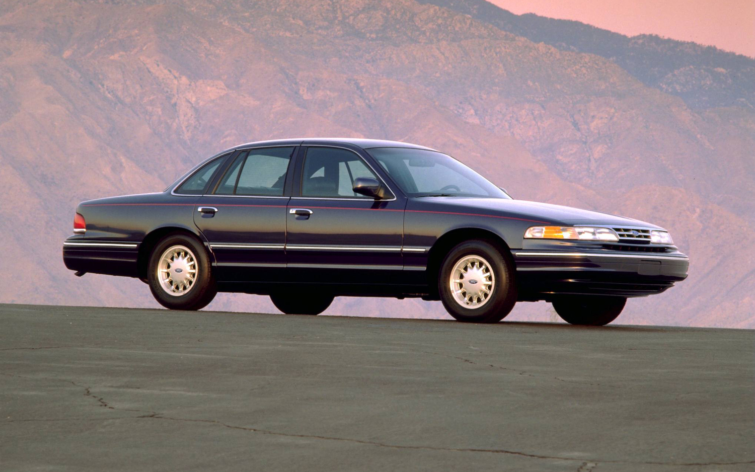 1997 Ford Crown Victoria #8