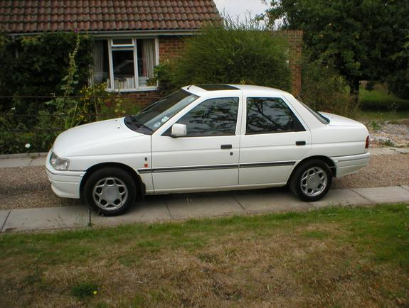 1992 Ford Orion #3