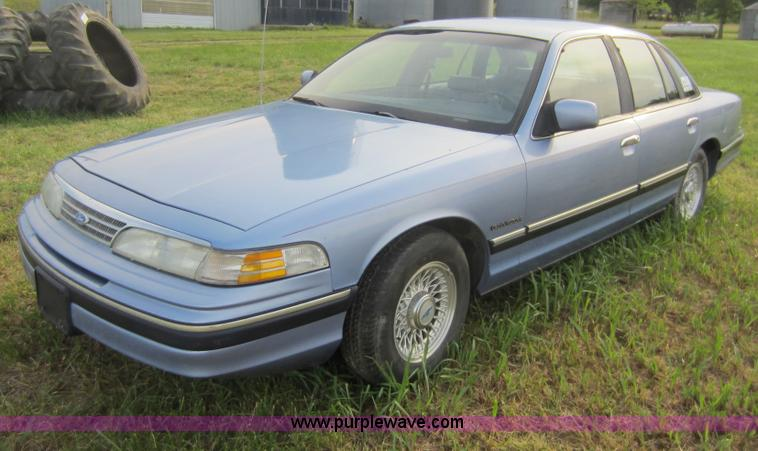 1994 Ford Crown Victoria #15