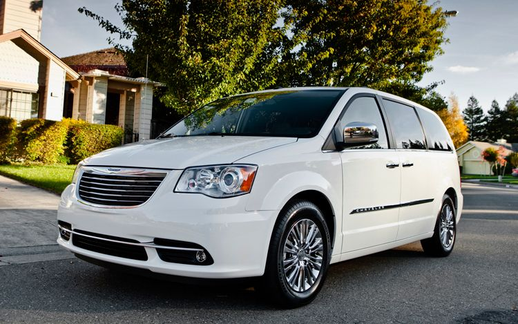 2011 Chrysler Town And Country #8