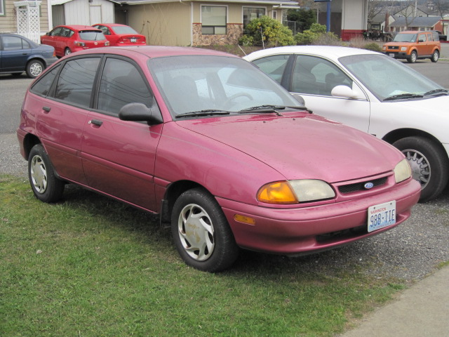 1995 Ford Aspire #6