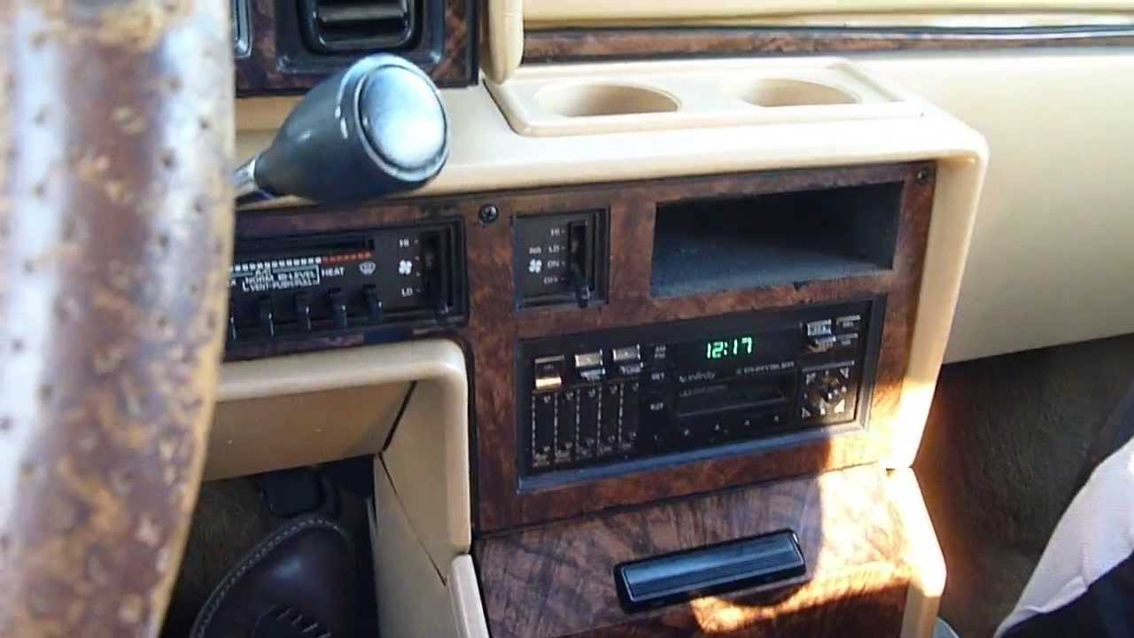 1990 Chrysler Town And Country #3