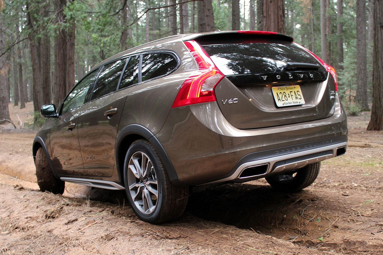 Volvo V60 Cross Country #12