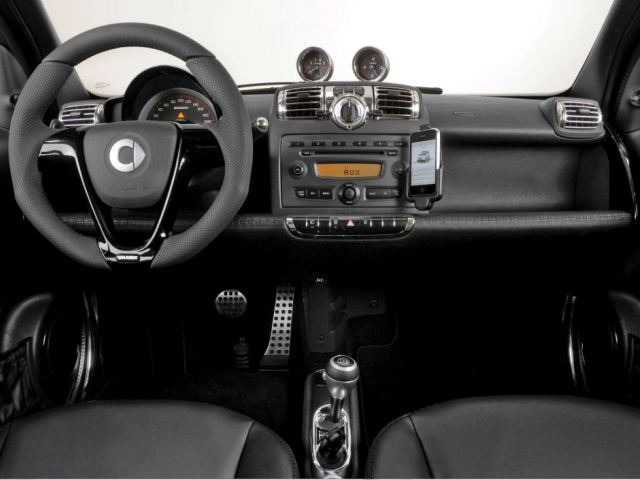 2011 Smart Fortwo #3