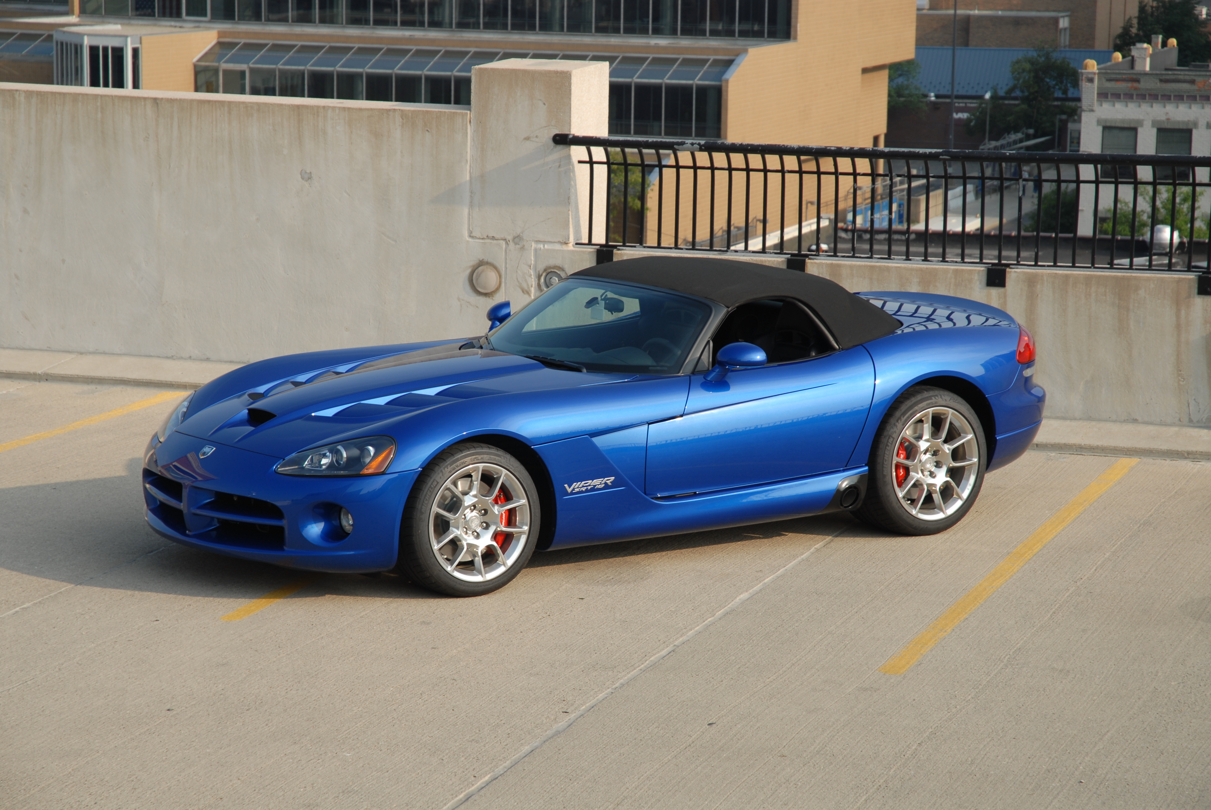 1997 Chrysler Viper #8