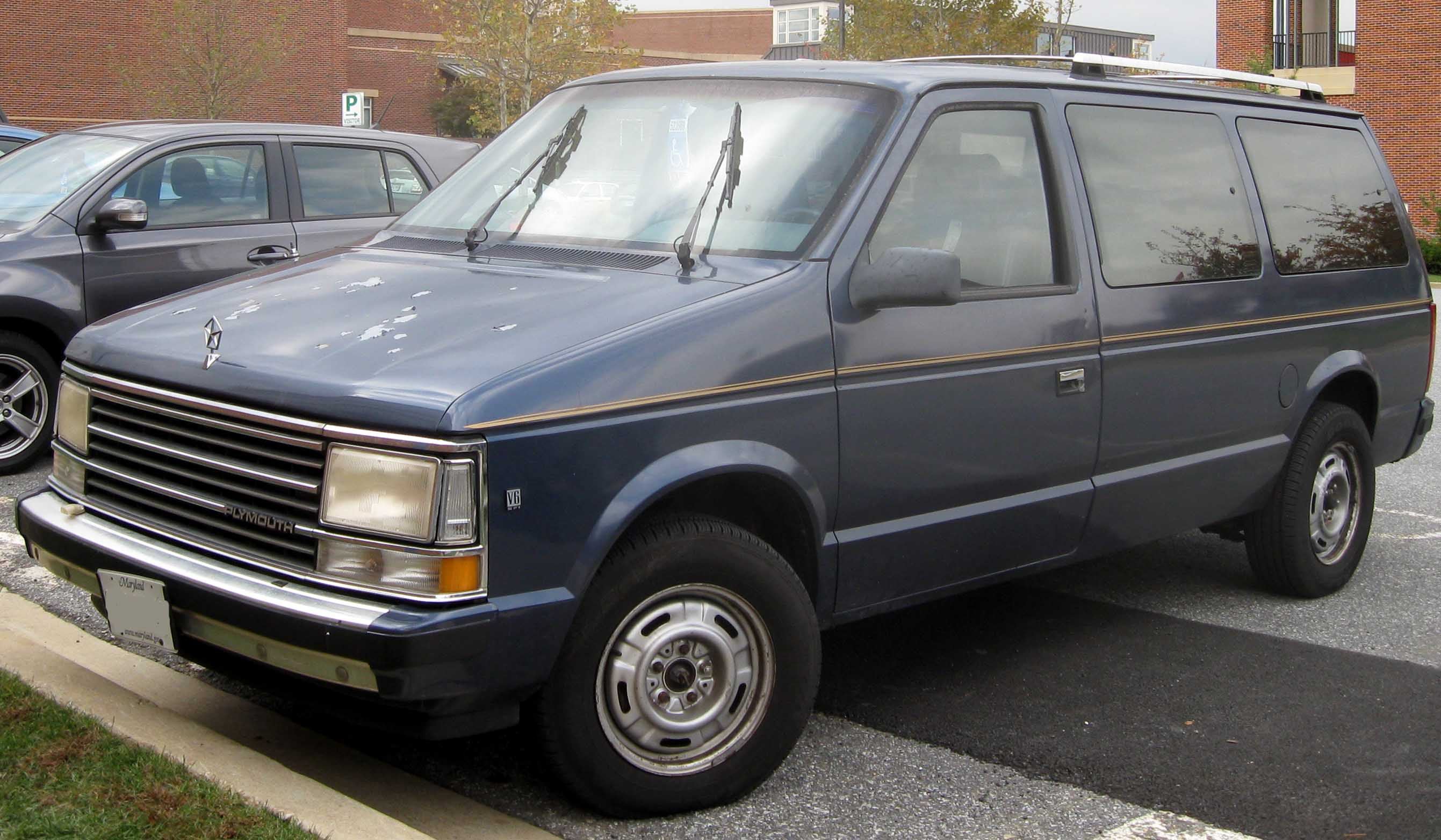 1992 Plymouth Grand Voyager #8