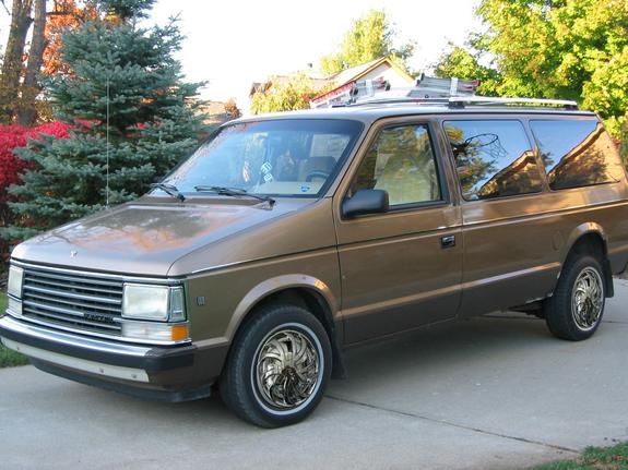 1990 Plymouth Voyager #8