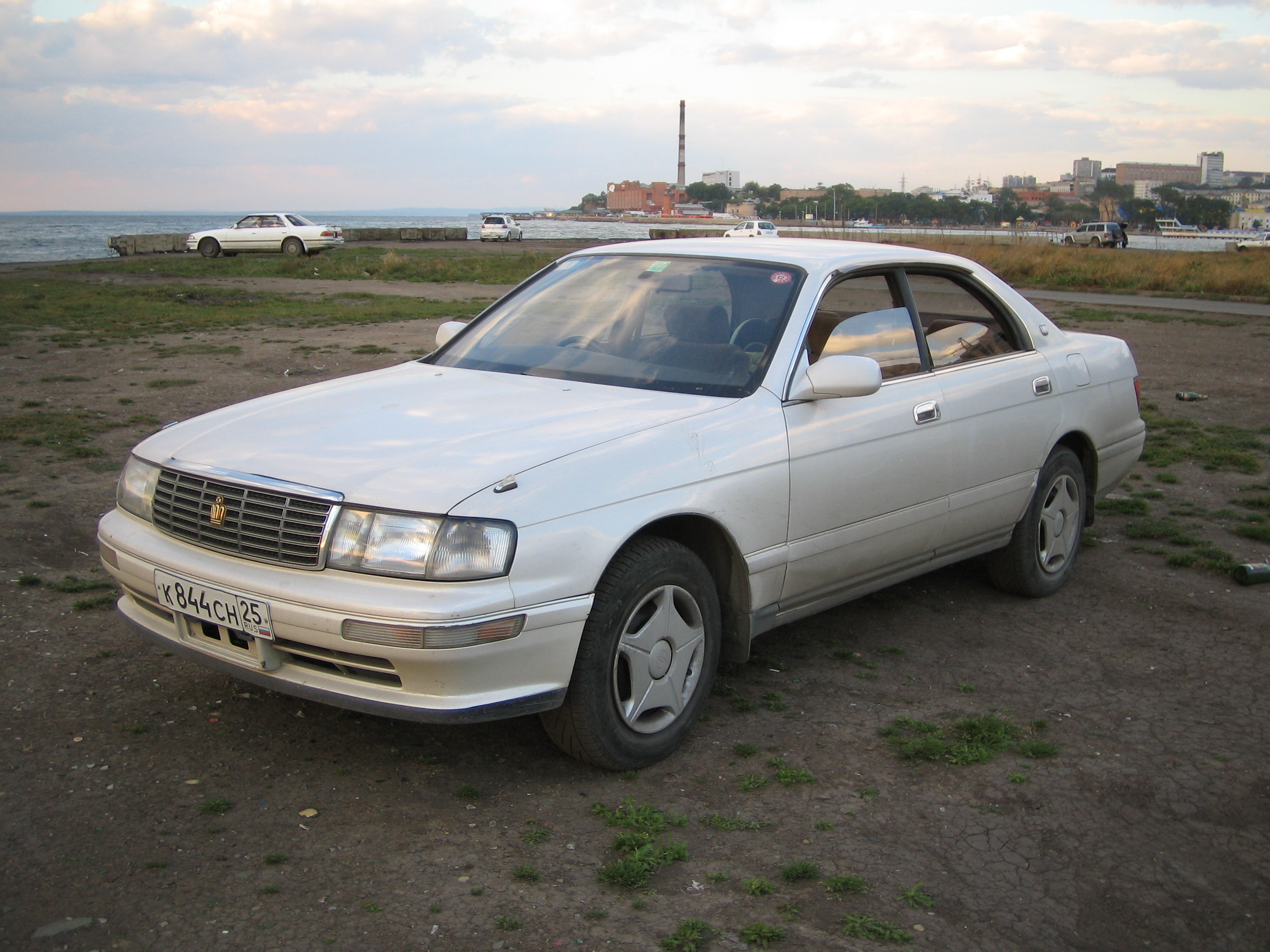1994 Toyota Crown #1