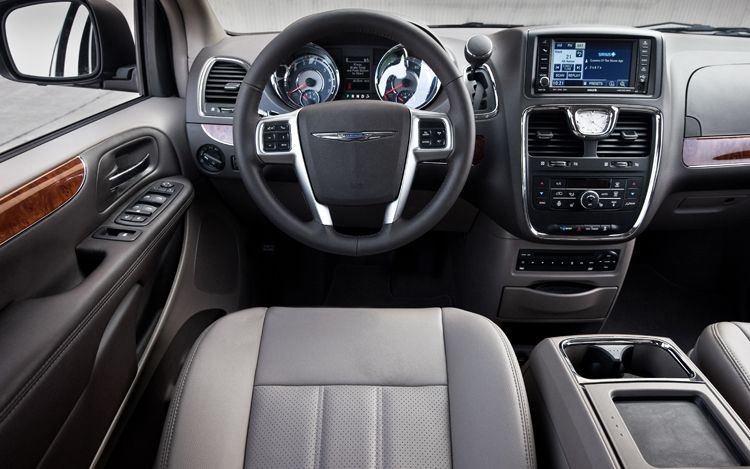 2011 Chrysler Town And Country #16