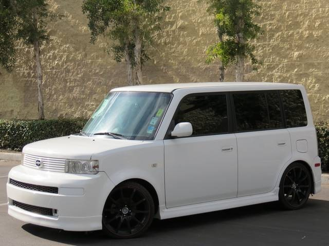 2006 Scion Xb #4