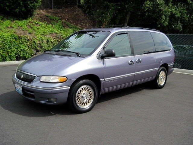 1996 Chrysler Town And Country #12